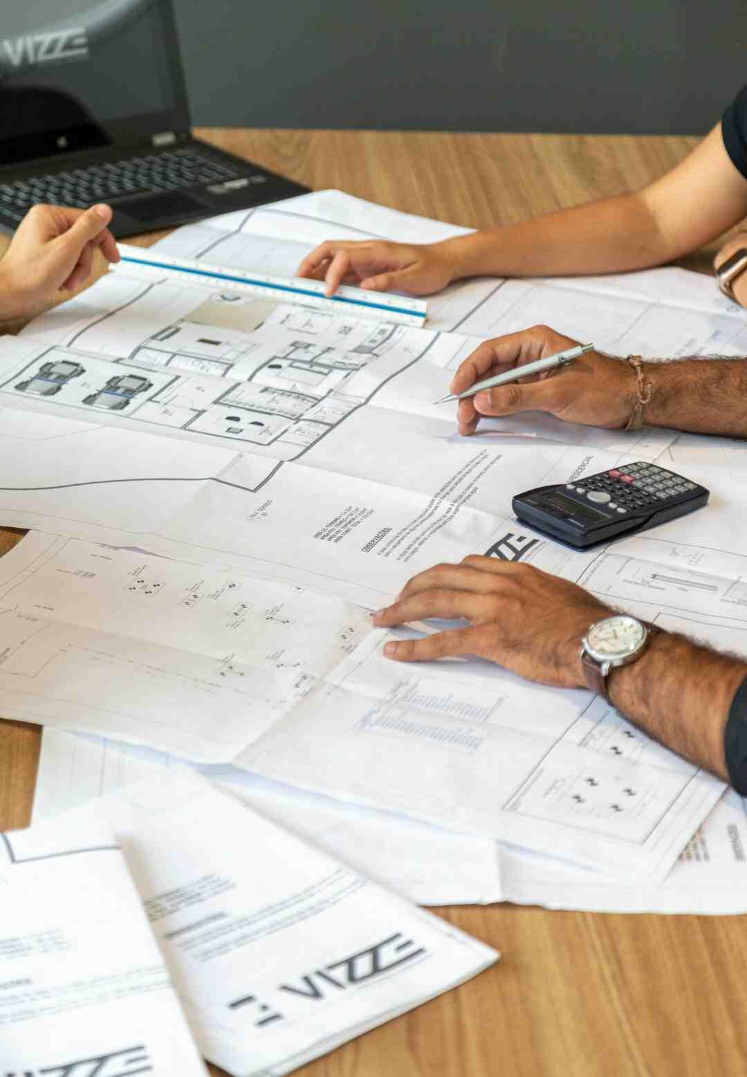 Quel corps de métier pour construire une maison ?
